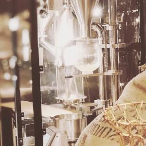 【行列ができる焙煎処クマロマ】マメーラは、ただコーヒー豆をお届けするんじゃない!!『幸せな暮らしのきっかけ』をお届けするんだ!!